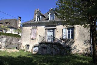 Maison de caractère BESSE 150 (15140)