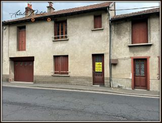 Maison de village FERRIERES SAINT MARY 96 (15170)