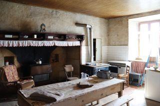 Maison de caractère PLEAUX 155 (15700)
