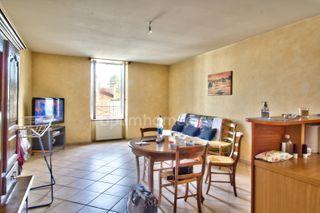 Appartement rénové MONTMOROT 58 (39570)