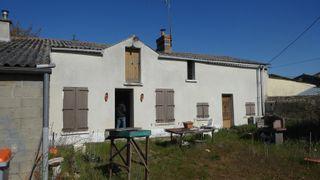 Maison de village ARCAY 74 (86200)