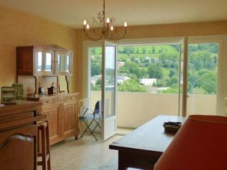 Appartement en résidence AURILLAC 76 (15000)