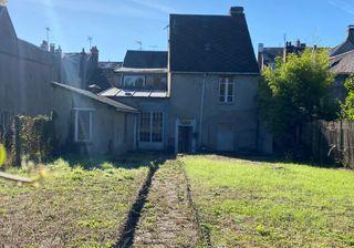Maison de ville DUN LE PALESTEL 285 (23800)