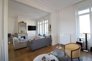 Appartement bourgeois CAMBRAI 144 (59400)