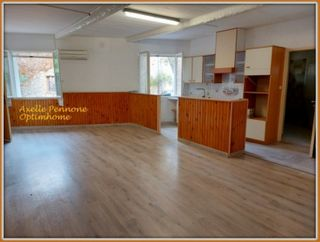 Appartement à rénover CAMPS LA SOURCE 97 (83170)