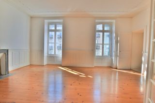 Appartement ancien AURILLAC 183 (15000)