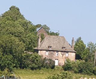 Maison de caractère TRIZAC 190 (15400)