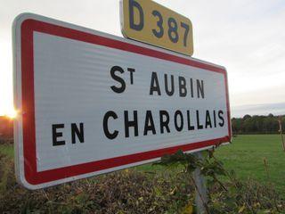 Terrain constructible SAINT AUBIN EN CHAROLLAIS  (71430)