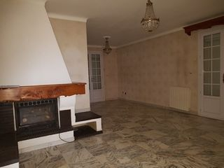 Appartement CUERS 79 (83390)