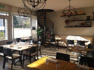 Restaurant COMMUNE A 30 KM DE VERSAILLES  ()