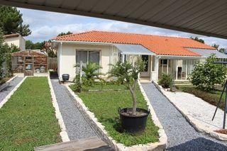 Maison contemporaine GASTES  (40160)