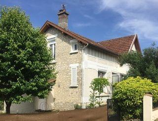 Maison en pierre FRONCLES  (52320)