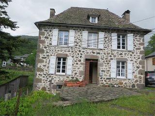 Maison à rénover LE FAU  (15140)