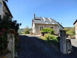 Maison de village RAULHAC  (15800)