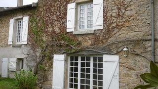 Maison de village DOUVRES 228 (01500)