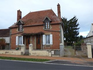 Maison NEUILLY LE REAL  (03340)