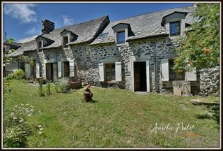 Maison en pierre VALETTE 190 (15400)