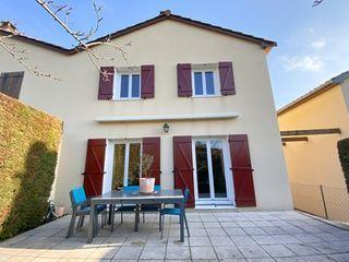 Maison PIERRE BENITE 81 (69310)