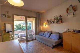 Appartement en résidence SANARY SUR MER  (83110)
