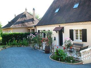 Maison LE BUGUE  (24260)