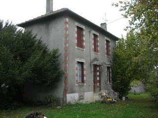 Maison à rénover ROCHECHOUART  (87600)