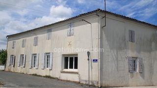 Maison de village BURIE 136 (17770)
