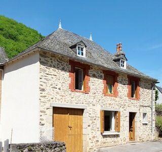 Maison en pierre LAVAL SUR LUZEGE  (19550)