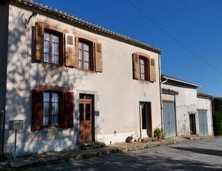 Maison de village MAGNAC LAVAL 112 (87190)