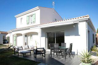 Maison contemporaine SAINT PALAIS SUR MER 141 (17420)