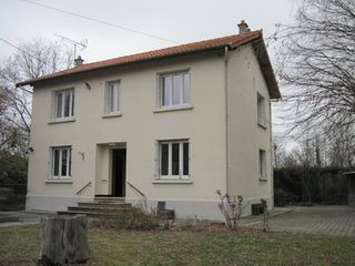 Maison CHAVAROUX  (63720)