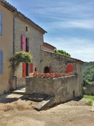Maison de village NIOZELLES  (04300)