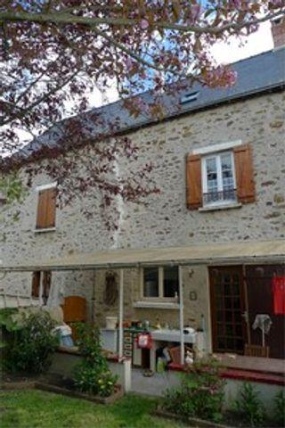 Maison de village SOUGE LE GANELON  (72130)