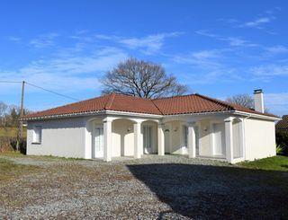 Maison contemporaine SANSAC DE MARMIESSE 152 (15130)