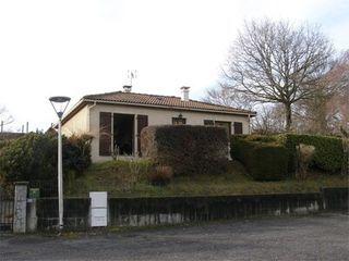 Maison contemporaine LAROQUEBROU  (15150)