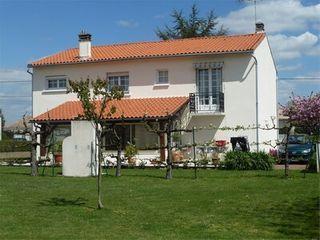Maison COULON  (79510)