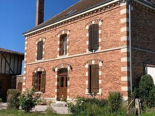 Maison de caractère GIFFAUMONT CHAMPAUBERT 275 (51290)