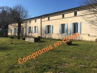 Longere DONNEZAC 292 m² ()