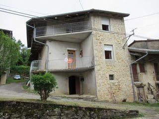 Maison à rénover Boyeux Saint Gérome 85 m² ()