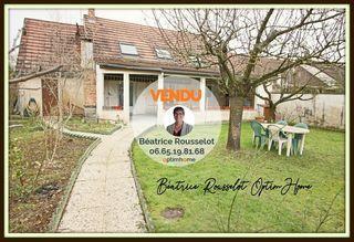 Maison SAINT PIERRE LES NEMOURS 112 m² ()