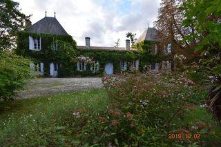 Domaine LA BREDE 400 m² ()