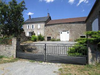 Maison SAINT HILAIRE LA PLAINE 150 m² ()