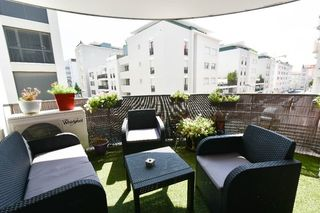 Appartement VILLEURBANNE 85 m² ()