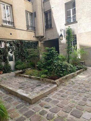 Appartement en rez-de-jardin PARIS 3EME arr 47 m² ()