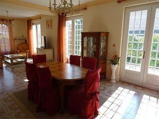 Maison individuelle RUELLE SUR TOUVRE 213 m² ()
