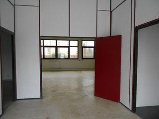 Ateliers et Bureaux VOISINS LE BRETONNEUX  ()