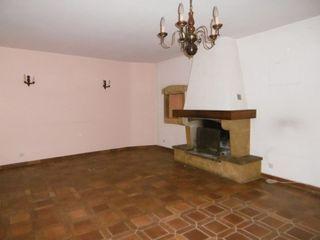 Maison de village CHAVANNES SUR SURAN 176 m² ()