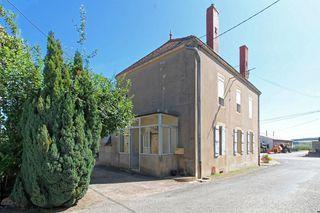 Maison de village SAINT MICAUD 128 m² ()