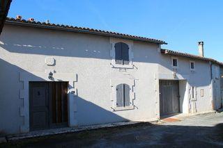 Maison de village CHERAC 115 m² ()