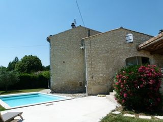 Maison en pierre PIERRELATTE 200 m² ()