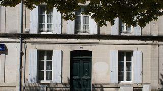 Maison de ville BARBEZIEUX SAINT HILAIRE 128 m² ()